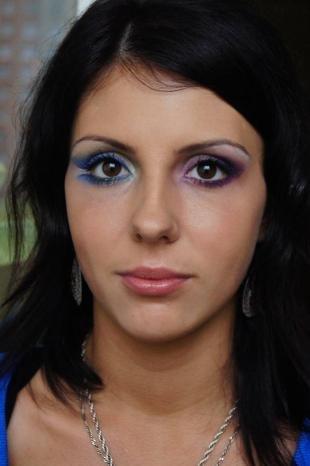 Вечерний макияж под синее платье, варианты яркого макияжа глаз