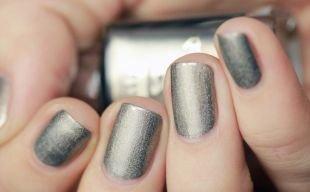 Серый маникюр, металлический маникюр на короткие ногти