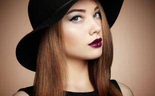 Темный макияж для рыжих, макияж для серых глаз - стрелки