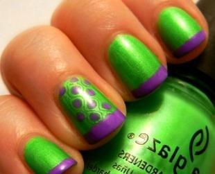 Дизайн ногтей френч, яркий фиолетово-зеленый френч