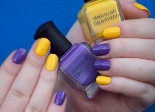 Простой маникюр, маникюр на короткие ногти с желтым и темно-сиреневым лаками