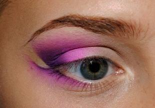 """Макияж для рыжих с голубыми глазами, эффектный макияж """"бабетта"""""""