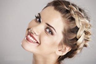 Прически с ободком на резинке на длинные волосы, прическа из косичек - «греческий венок»