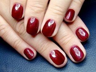 Простой маникюр, красный глянцевый маникюр на короткие ногти