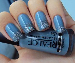 Аквариумный дизайн ногтей, темно-голубой маникюр с блестящими кончиками