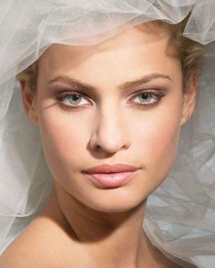 """Легкий макияж для зеленых глаз, свадебный макияж для зеленых глаз в стиле """"нюд"""""""