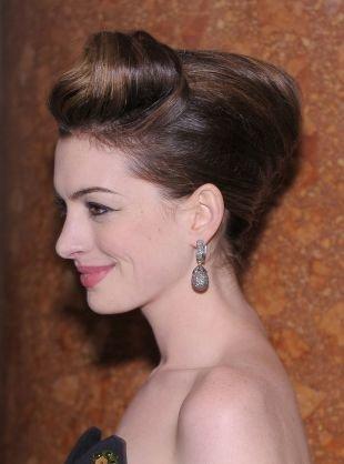 """Праздничные прически на средние волосы, великолепная прическа """"ракушка"""" на длинные волосы"""