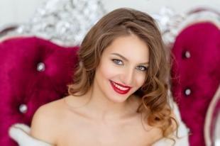 Свадебный макияж с красными губами, макияж для шатенок с акцентом на губы