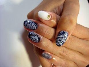 Дизайн ногтей, черный маникюр с белым ажурным узором