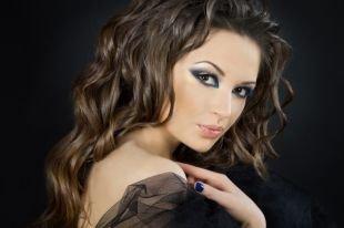 Красивый макияж, новогодний макияж для серых глаз и темных волос