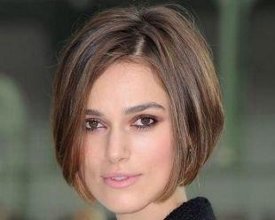 Прически с челкой на короткие волосы, стрижка каре длиной до подбородка