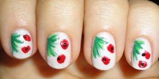 Рисунки на маленьких ногтях, маникюр с красными маками