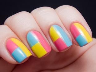 Розовый маникюр, оригинальное решение дизайна ногтей