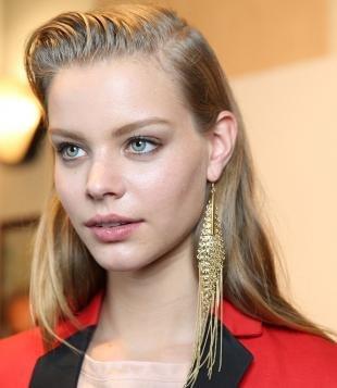 Макияж для бледной кожи, натуральный макияж для светлых глаз и русых волос