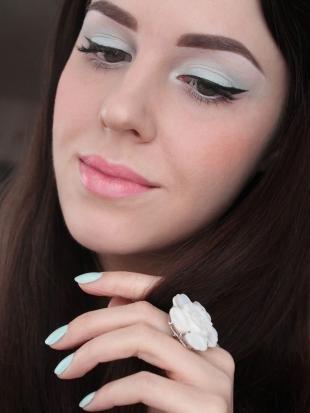 Макияж для голубых глаз под голубое платье, весенний макияж для серых глаз и темных волос