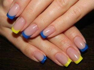 Желтый френч, желто-голубой френч