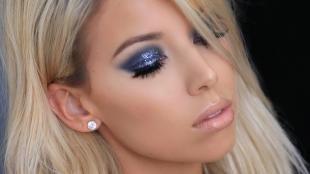 Вечерний макияж для серо-голубых глаз, сиреневый макияж глаз с блестками