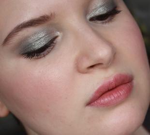 Дневной макияж для брюнеток, макияж для карих глаз с серебристыми тенями