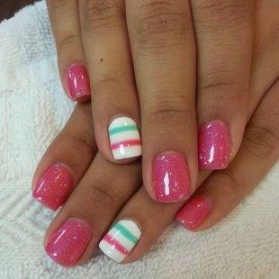 Бело-розовый маникюр, розовый маникюр с покрытием гель-лаком