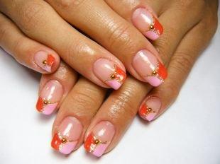 Красивый френч на квадратных ногтях, красно-розовый френч с золотистой каймой