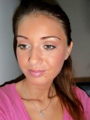 Нежный макияж, дневной макияж с мерцающими тенями