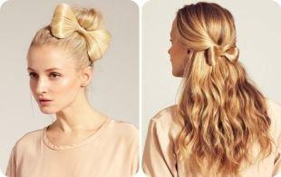 Пшеничный цвет волос, прическа бант из волос - на пучке и на распущенных волосах